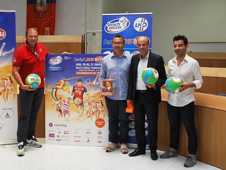 La presentazione della tappa di San Benedetto della Serie A Beretta di beach soccer